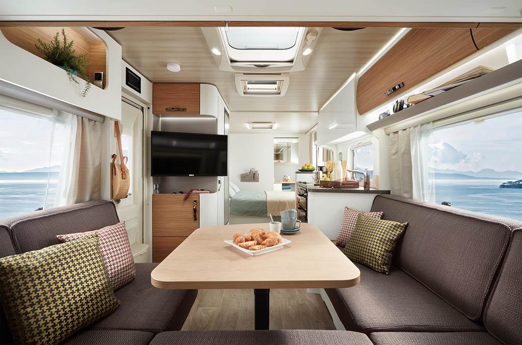 Eriba_Nova_590_interior_view_sitzgruppe_c_Hymer_GmbH_und_CoKG