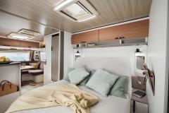 Eriba_Nova_590_interior_view_bett_c_Hymer_GmbH_und_CoKG