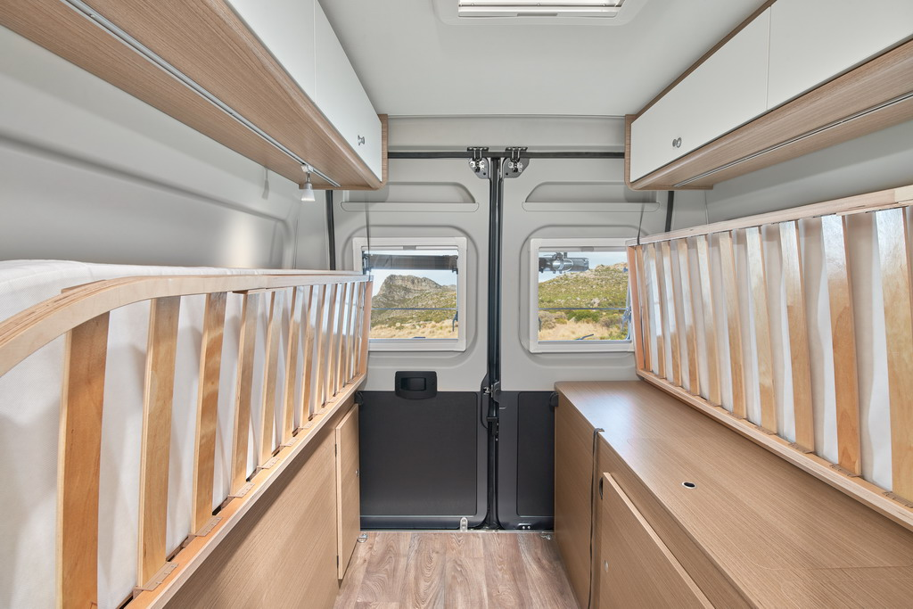 Camper-Van-CV-640-Letto-posteriore-2