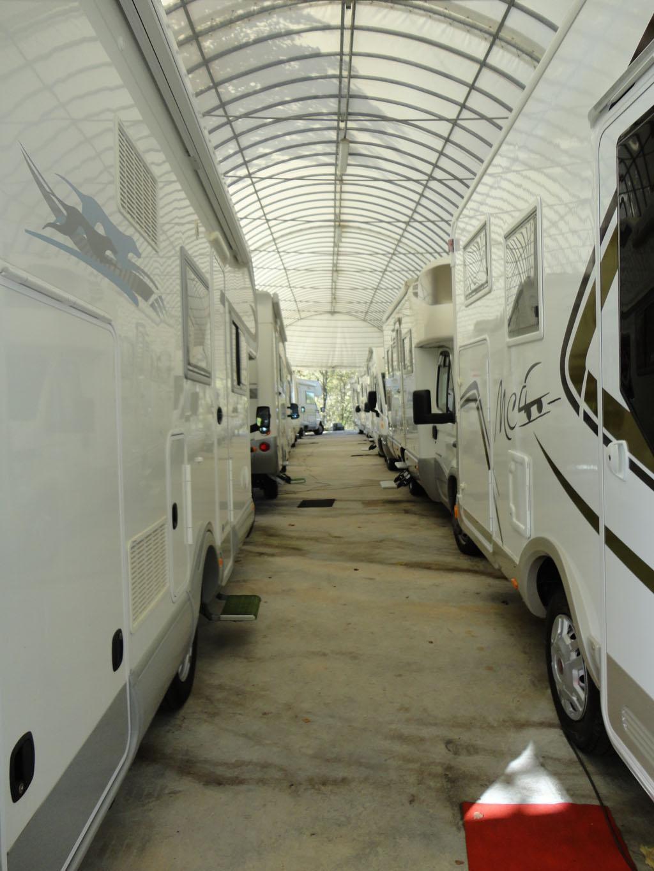 06b-caravan-langhe