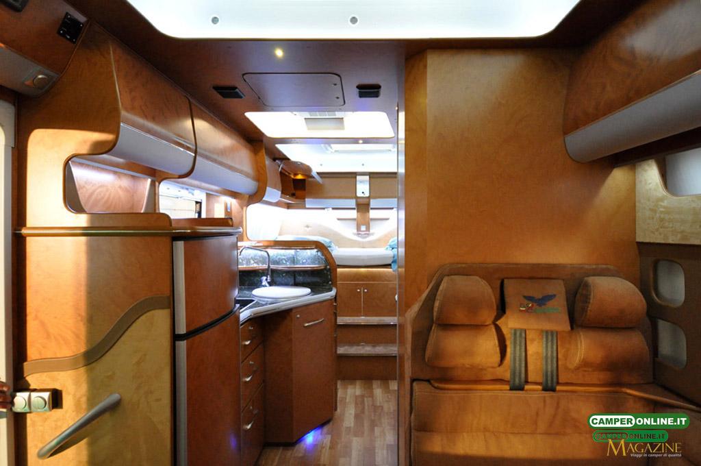 Caravan-Salon-2103-Silverdream-010