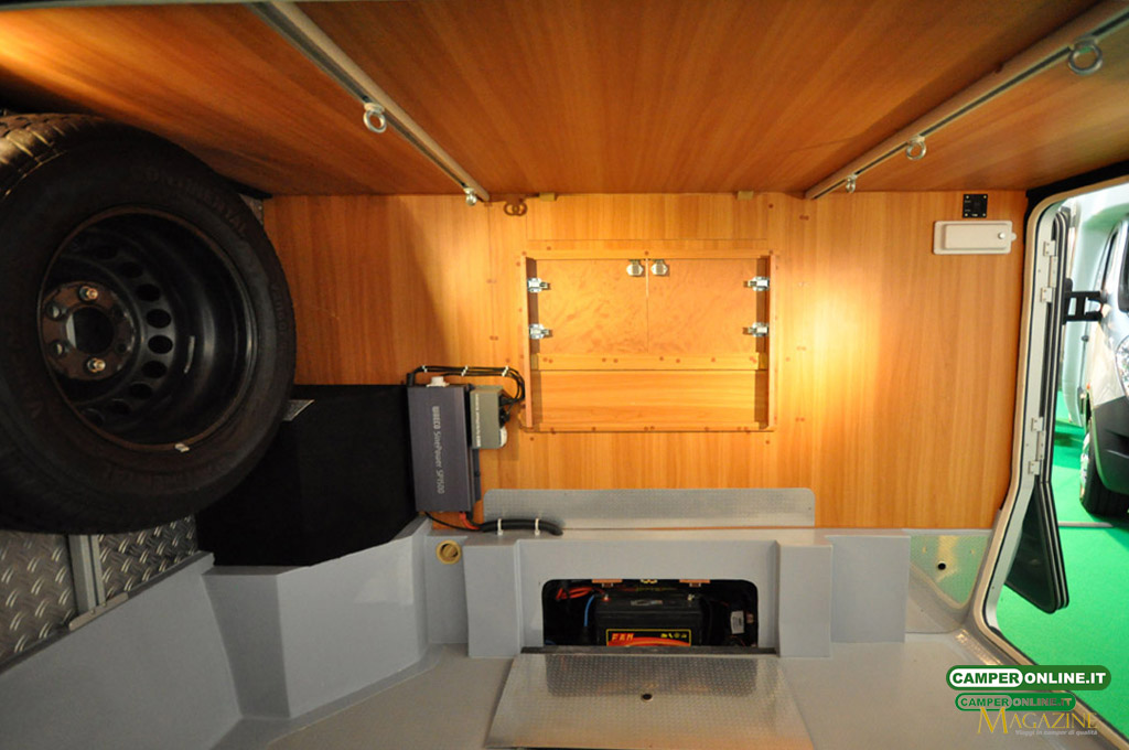 Caravan-Salon-2103-Silverdream-012