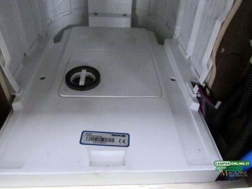 Schema Elettrico Wc Thetford : Installazione ventilatore di sfiato wc thetford c col magazine
