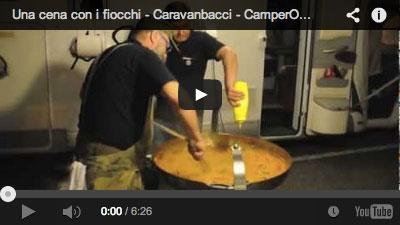 Una-cena-con-i-fiocchi-CaravanBacci-Paolo-Parisi_400