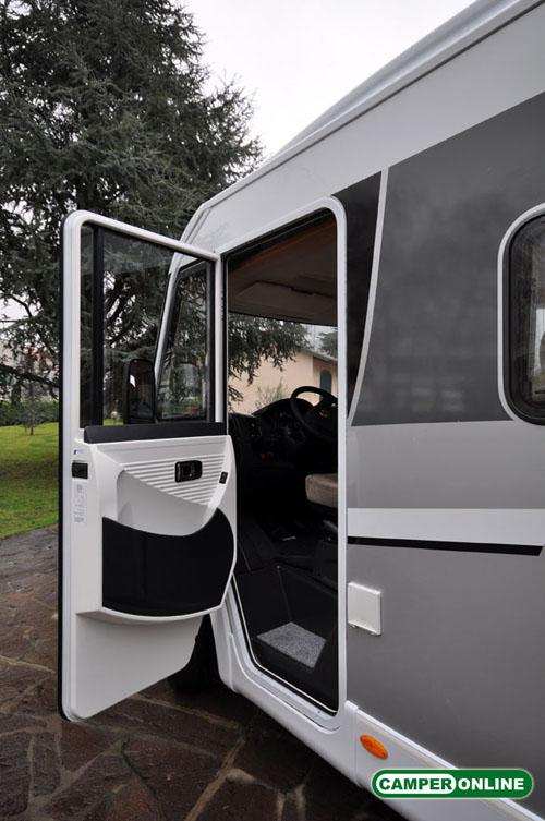 Dethleffs-Globebus-I008-026