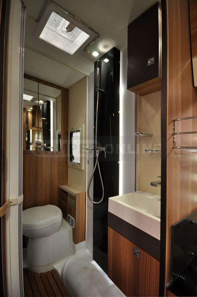 Caravan-Salon-2014-Challenger-007