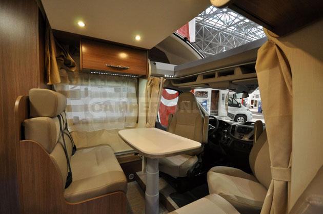 Caravan-Salon-2014-Challenger-010