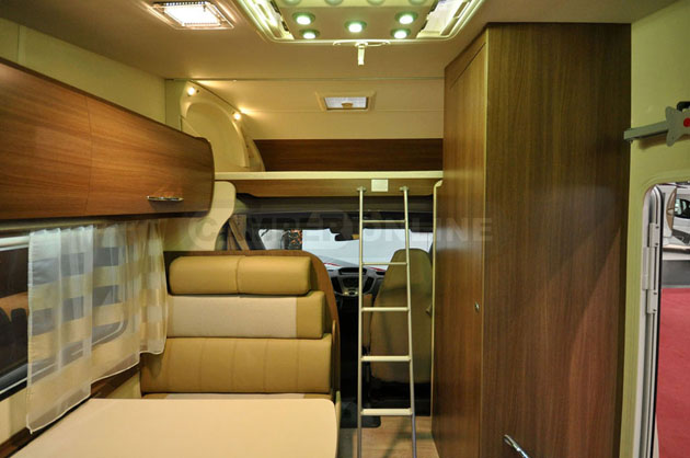 Caravan-Salon-2014-Challenger-020