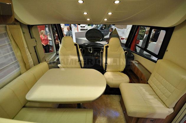 Caravan-Salon-2014-Challenger-030