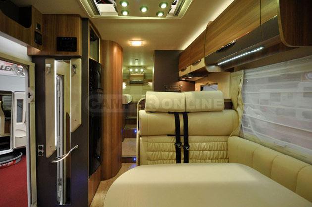 Caravan-Salon-2014-Challenger-031