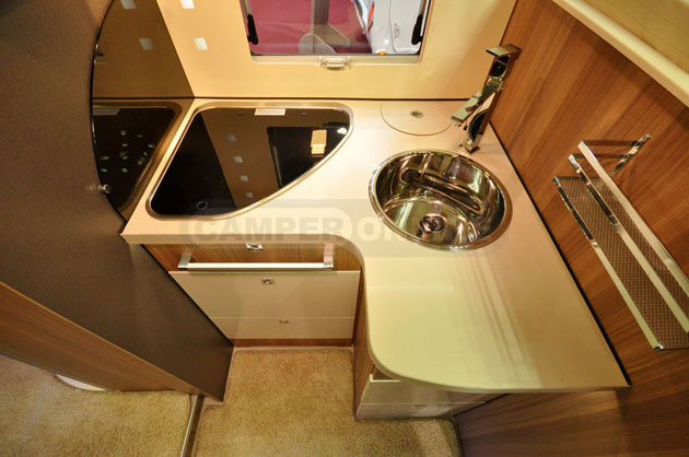 Caravan-Salon-2014-Challenger-034