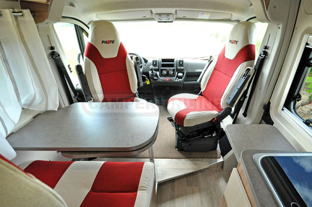 Pilote-Foxy-Van-630-017