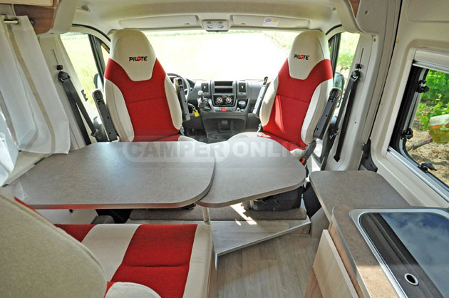 Pilote-Foxy-Van-630-020