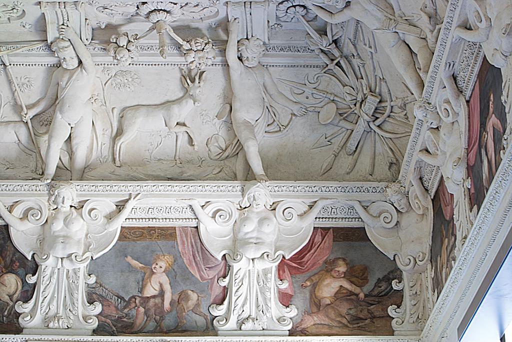 Castello-del-Valentino-006