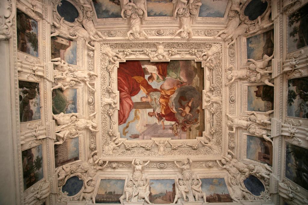 Castello-del-Valentino-008