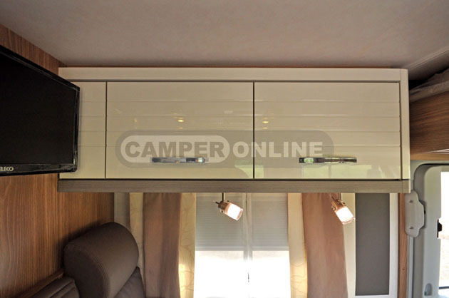 Buerstner-Aviano-i690G-036