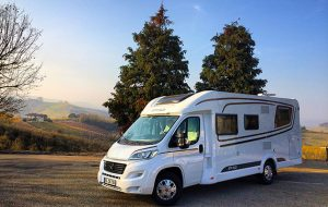 Video CamperOnTest: Etrusco T7300 SB