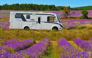 CamperOnRide: dalle Alpi all'Alta Provenza con il Laika Kosmo 909