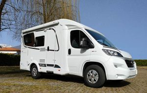 Camper in Pillole: Etrusco V 5900 DB